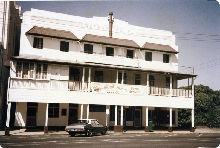 Ca. 1970 Queens Hotel, Rankin Street Innisfail.