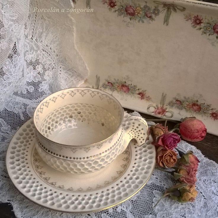 Zsolnay csésze, Willeroy tálca