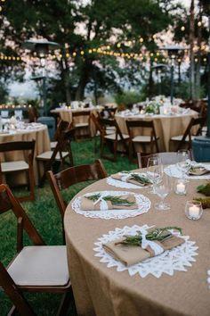 Decoração de Casamento Rústico Toalha Juta Sousplat de Doilie Anel de Guardanapo de Alecrim | Rustic Wedding Decor Burlap Tablecloth Doilie Chargerplate