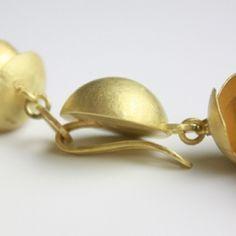 Afbeeldingsresultaat voor hidden jewelry closure mechanisms