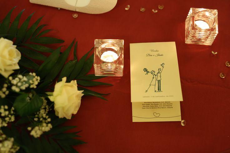 ¿Recordáis cuando diseñasteis los tarjetones? Parecía que estaba lejos pero, cómo pasa el tiempo. ¡Vuestra boda ha llegado!