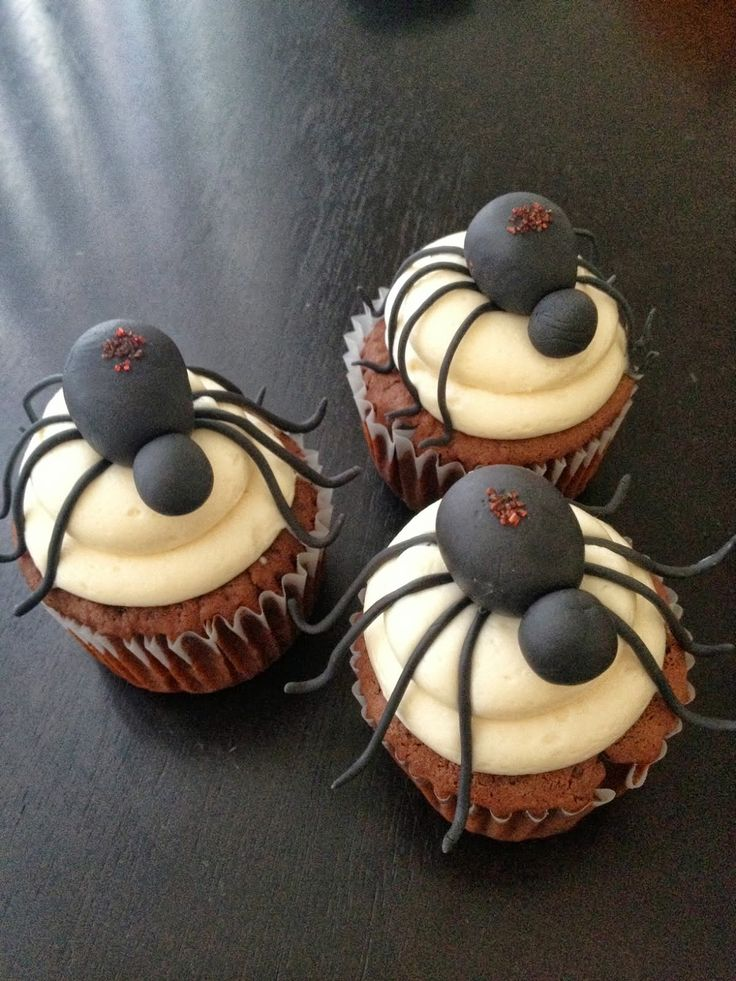 69 best halloween cupcakes images on pinterest autumn cake decorating frosting and corn cupcakes
