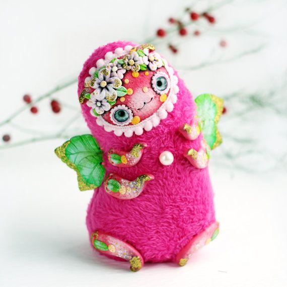 kawaii kunst pop roze zachte knuffel fantasie schepsel sculptuur caterpillar kunst schattig roze speelgoed heldere bug speelgoed bug pop insect kunst