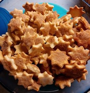 Zimt-Sahne-Sterne ~ Cinnamon and Sour Cream Star Biscuits #cookies