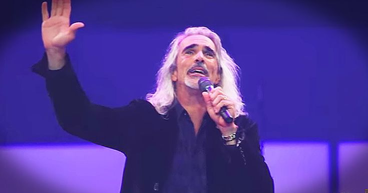 Guy Penrod is a Christian artist with 1 incredible voice. And hearing him sing 'Rock Of Ages' and 'I Stand Amazed' left me saying AMEN! What an incredible way to sing praises to His name!