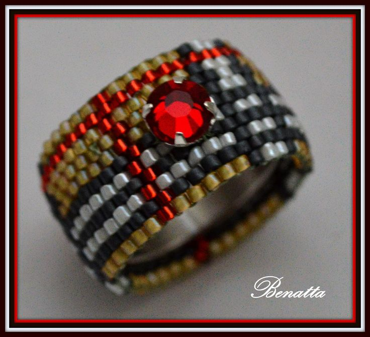 Beaded Ring in Burberry PATTERN see also butterfly and heart pin this board