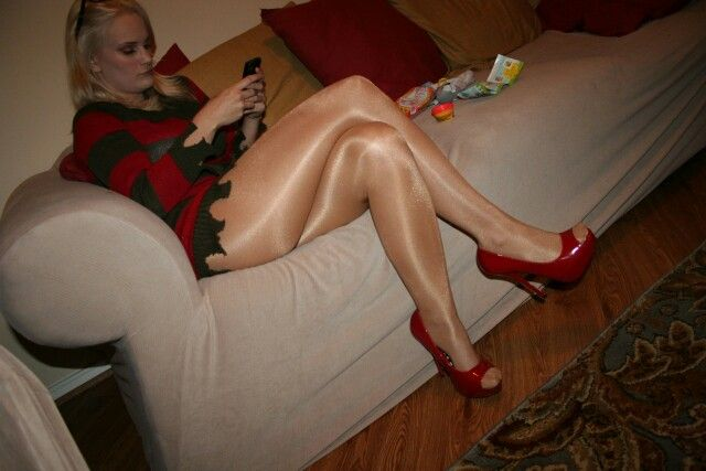 Stockings or pantyhose which is sexier fuc the