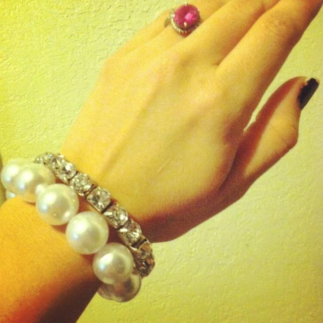 Oversized pearl bracelet on sale... Vialaboutique