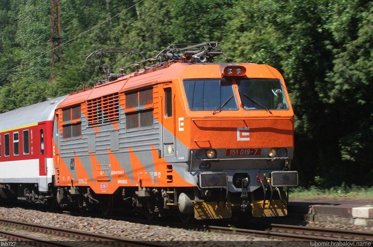 https://flic.kr/p/PtaqaF | Reklamka 151.019 | Reklamní lokomotiva ČD 151.019 ČEZ