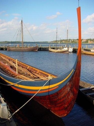17 best images about viking langskib roskilde on pinterest boats roskilde and viking museum. Black Bedroom Furniture Sets. Home Design Ideas