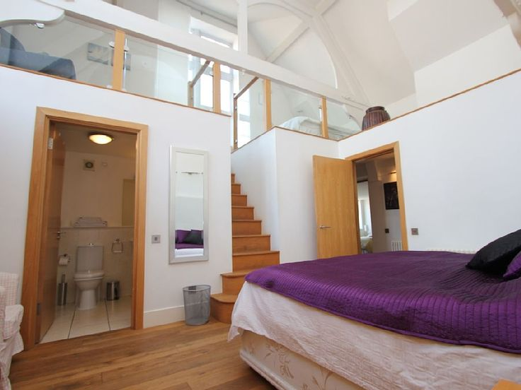 Bloomsbury apartment rental - Master bedroom, mezzanine level, plenty of light and high ceilings.