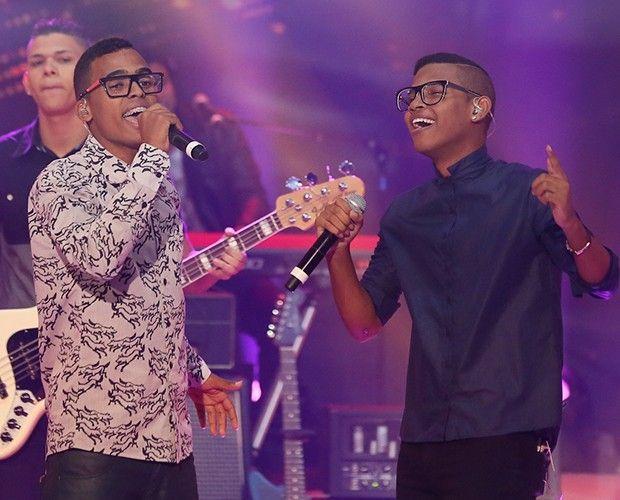 """Lucas e Orelha é a banda campeã do """"SuperStar"""", da Globo #Brasil, #Briga, #Cantora, #Casamento, #Enquete, #Fotos, #Globo, #Musical, #Reality, #Thiaguinho http://popzone.tv/lucas-e-orelha-e-a-banda-campea-do-superstar-da-globo/"""