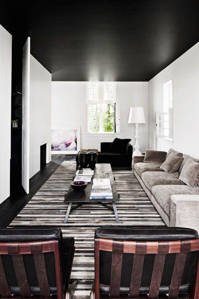 плановым фото комнат белый пол темный потолок часто выбирают миди-платья