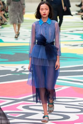 Burberry Prorsum Spring 2015 Ready-to-Wear Fashion Show: Complete Collection - Style.com