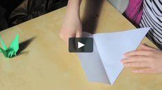 Éste video muestra cómo hacer una grulla de origami. En Japón existe la leyenda de que para conseguir un deseo se necesitan 1000 grullas. El…
