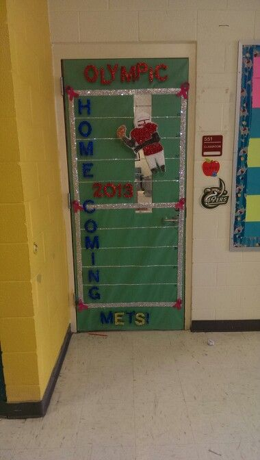 7 best Homecoming Door Decorations images on Pinterest ...