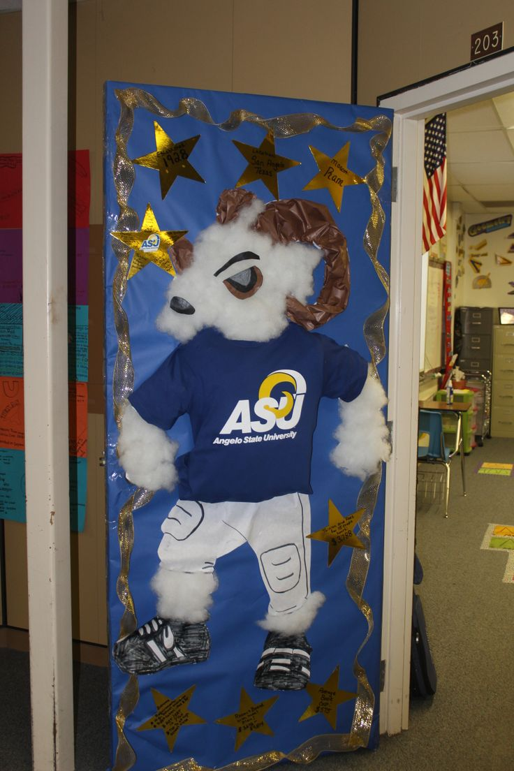 Teachers at Crockett Jr. High held a college door decorating contest. Teachers were asked to decorate their door to highlight where they earned their own degrees. #collegebound