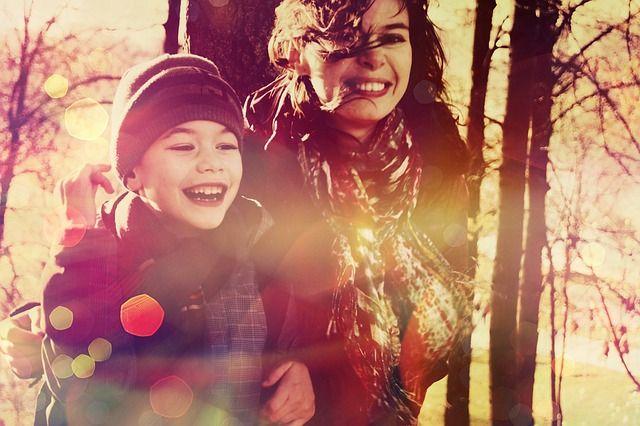 Der Alltag mit Kind kann stressig sein. Egal ob Du pünktlich mit Deinem Kind aus dem Haus musst, Dein Kind krank ist oder Du müde und erschöpft bist. Fragst Du dich in diesen Situationen auch manchmal, wie Du Deinen Alltag mit Kind entspannen kannst? Hierüber geht es in meinem Gastbeitrag bei BusyMom.  Gastbeitrag Petra …