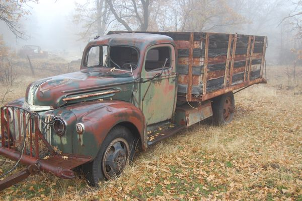 182 best images about farm trucks on pinterest old chevy pickups dodge pickup and chevy. Black Bedroom Furniture Sets. Home Design Ideas