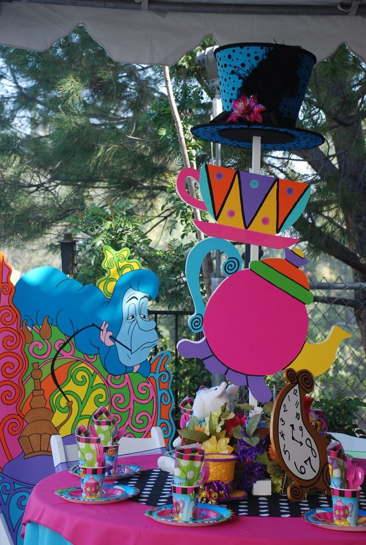 105 best Alice & wonderland party images on Pinterest