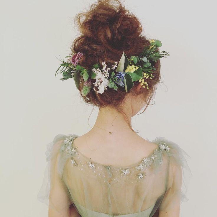 先輩花嫁さんのお花を使った髪型特集   marry[マリー]