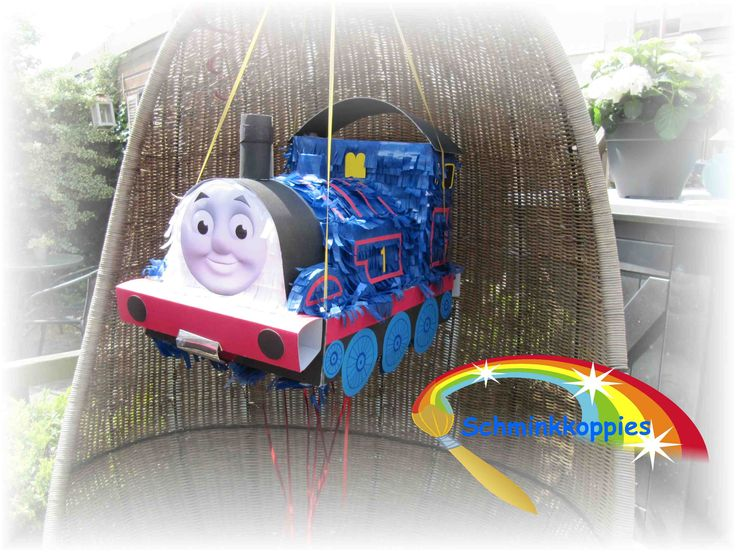 Thomas de trein Pinata made by Schminkkoppies