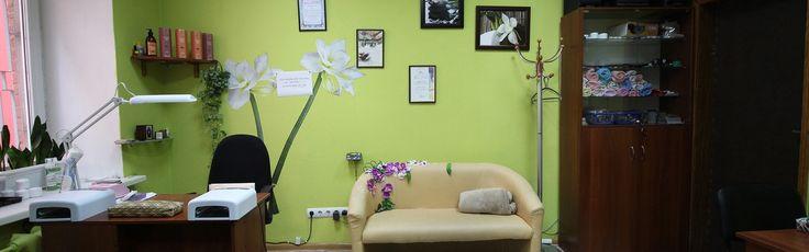 """В студии ногтевого сервиса """"Gold Brush"""" работают профессиональные мастера маникюрного искусства. Они заботятся о ваших ногтях с 10 до 18 без выходных. Узнать стоимость и записаться можно перейдя по ссылке: http://lnk.al/2g9w  #stylevisit #GoldBrush #Киев #stylevisit_ru #онлайнбронирование #длясалоновкрасоты #программадлясалонов #салонкрасоты #мода #стиль #красота #onlinebooking #beauty #booking"""