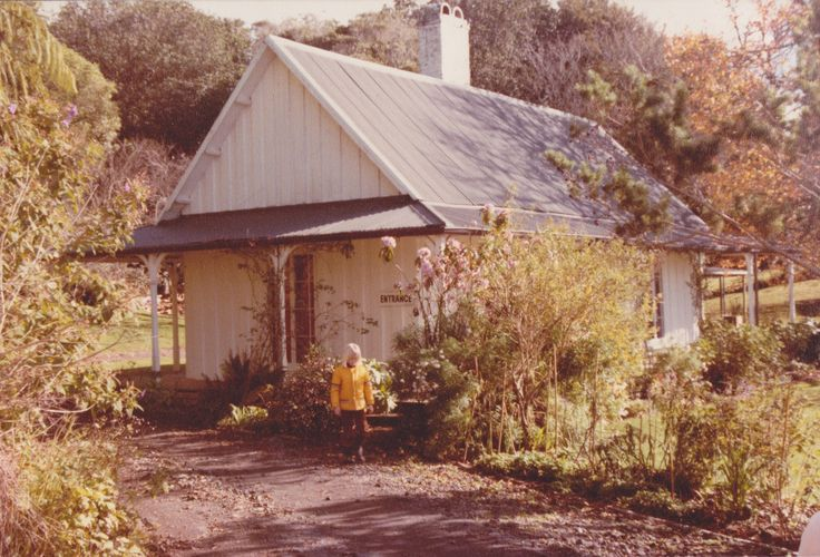 Hurworth Cottage near New Plymouth in 1985.