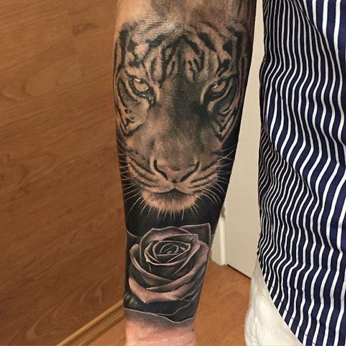 die besten 25 schwarze rose tattoos ideen auf pinterest tatoo rosendesigns schulter tattoo. Black Bedroom Furniture Sets. Home Design Ideas