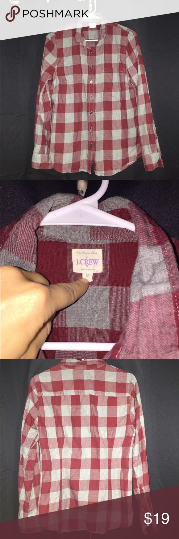 J.crew women's button up cotton flannel medium Great used condition no flaws, not flannel material cotton but looks like a flannel great quality and beautiful colors great layered and for winter would best fit 6-10 J. Crew Tops Button Down Shirts