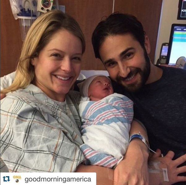 """Good Morning America host Sara Haines has given birth and she took to Periscope live from the delivery room in New York City."""