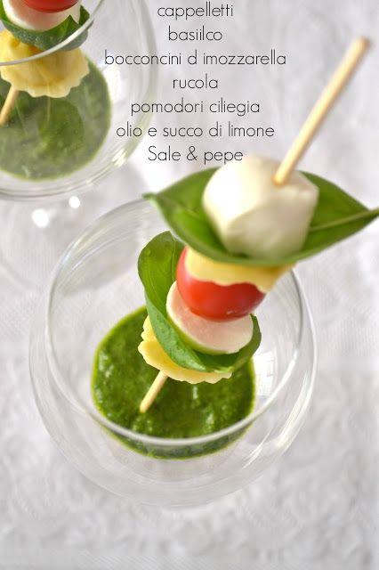 Cucina di Barbara: food blog: Ricetta spiedini di cappelletti con salsa alla rucola - finger food