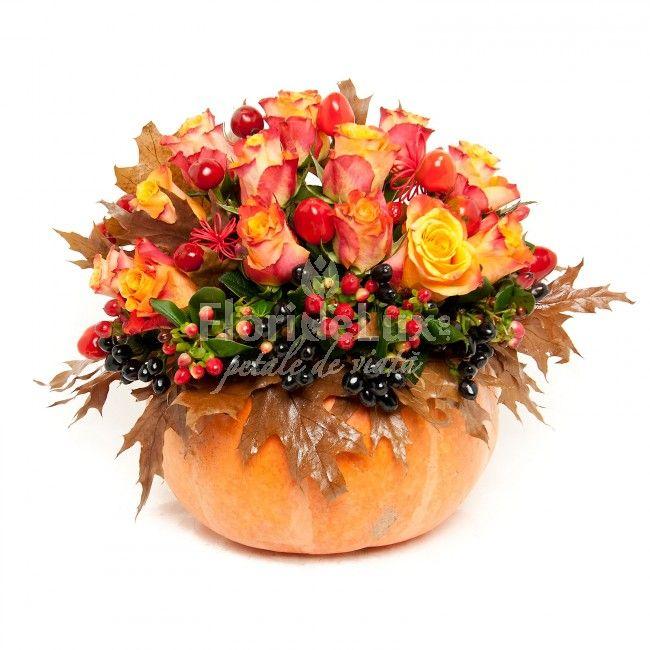 dovleac cu trandafiri portocalii - http://petaledeviata.ro/trandafiri-portocalii-cadouri-perfecte-de-toamna/    https://www.floridelux.ro/dovleac-de-halloween-elegant.html