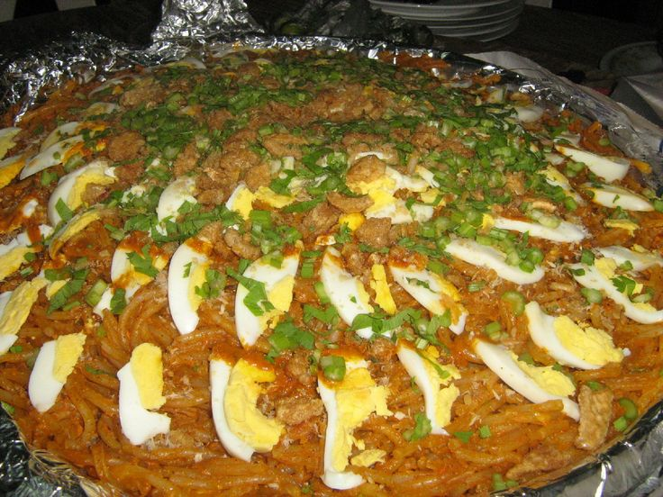 18 best filipino foods images on pinterest filipino food another famous noodle recipe pancit palaboks main ingredients are miki noodles or vermicelli sea philippines foodboiled eggshard forumfinder Image collections