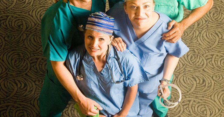 Metas y objetivos de la carrera de enfermería. Los objetivos de enfermería son tan individualizados como tú y van mucho más allá del simple deseo de convertirte en una enfermera. Algunas enfermeras quieren especializarse, mientras que otras tienen la intención de asistir a una serie de programas de posgrado en enfermería para lograr sus metas profesionales y una posición de enfermería de ...