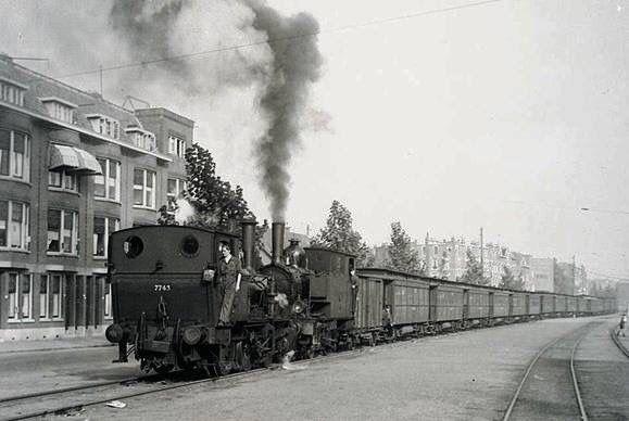 7 Popular Siding Materials To Consider: 255 Best Images About Rotterdam Tram Maatschappij On