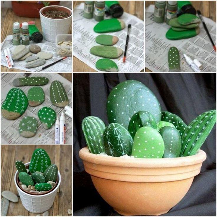idée déco jardin facile et originale - un cactus mignon en galets repeints en vert et blanc dans un pot d'argile