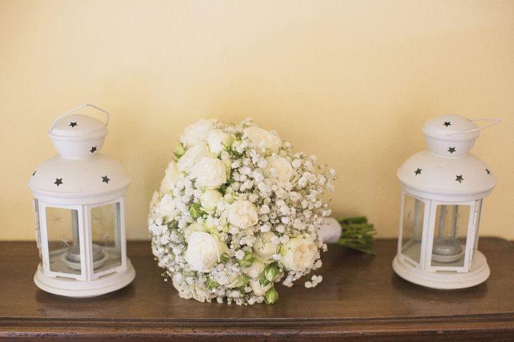 Rose & gypsofila bouquet.