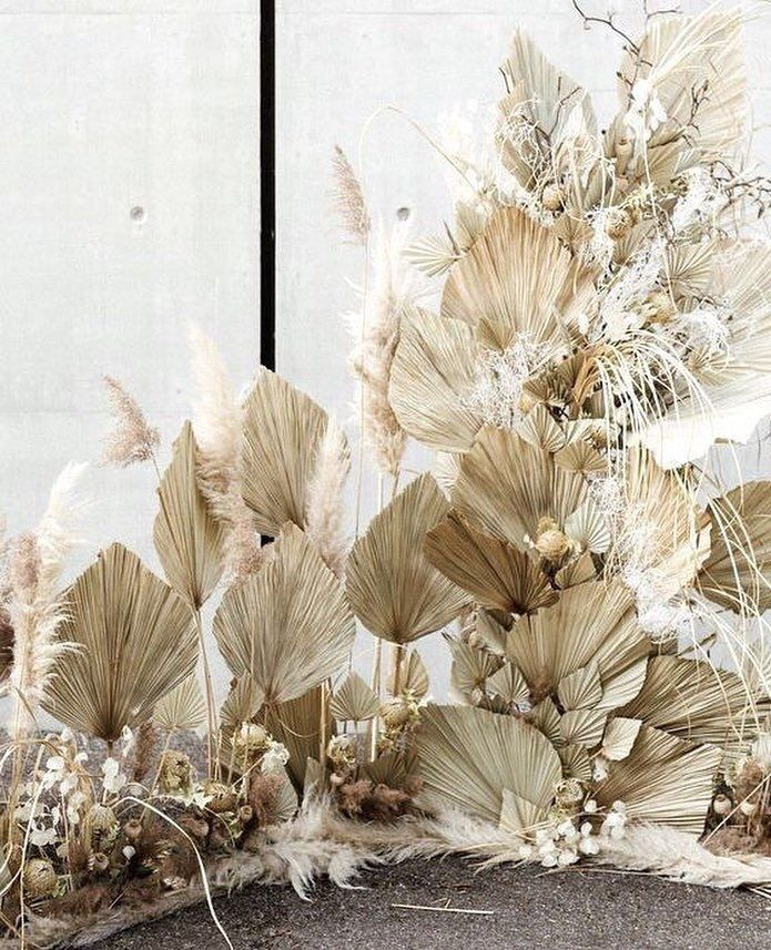 Dry leaves Deco Installation       | FALL WEDDING in 2019