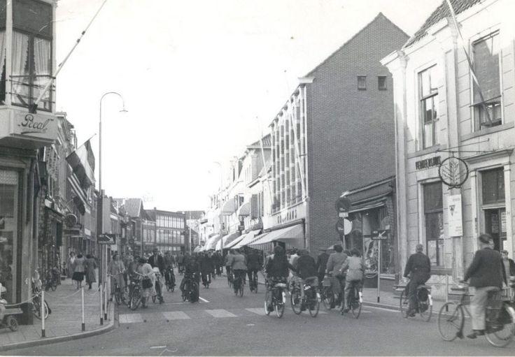 Grotestraat oude eind gezien vanaf het Verkeershuis naar het noorden.