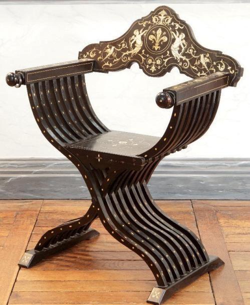 marqueterie renaissance italienne | ... CURULE en bois teinté noir incrusté de…