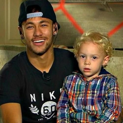 Photo of Neymar & his  Son  David Lucca