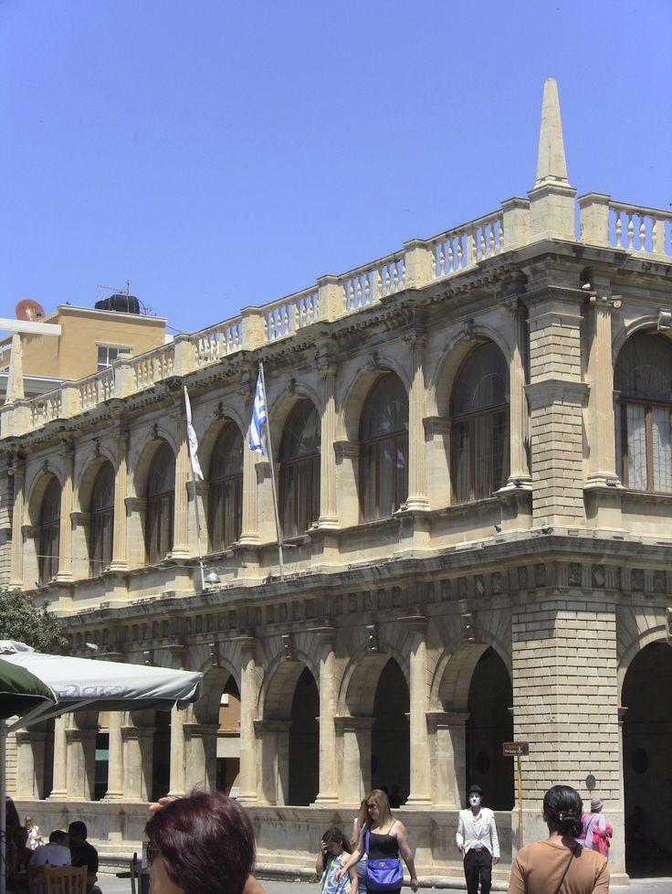 #Creta Iraklion Loggia Veneziana.. Il protagonista vede il luogo durante una delle sue passeggiata