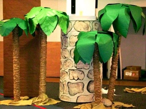 Diy palm tree monkey classroom theme pinterest for Palm tree decorations for the home