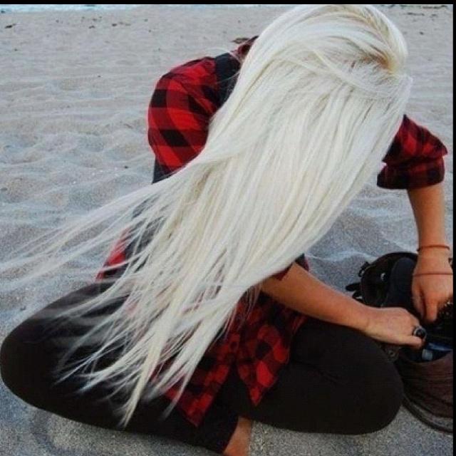 bleach blonde hair will be mine soon! :)