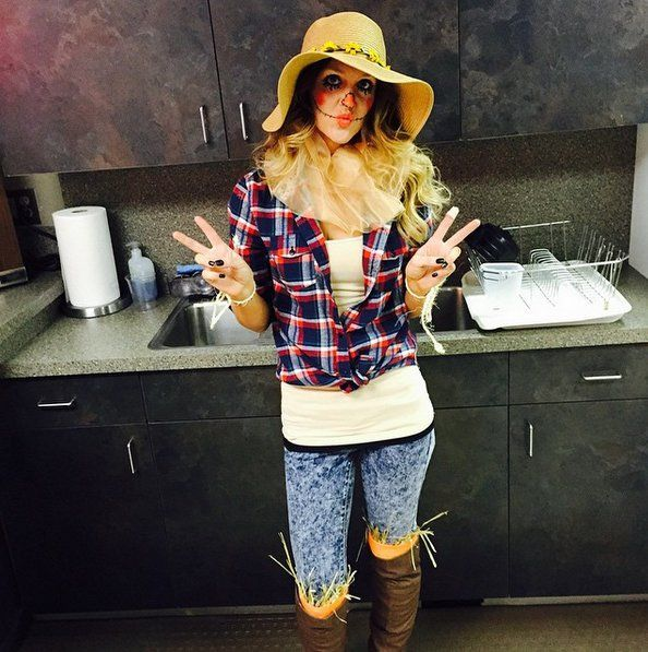 Pin for Later: 47 Last-Minute Costume Ideas That Are Completely Office Appropriate A Scarecrow What You'll Need: A floppy hat, a plaid shirt, jeans, boots, and a bit of straw means you're pretty much off to see the wizard.