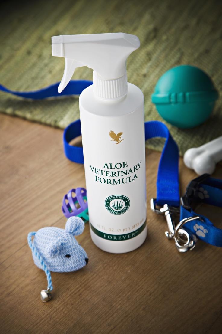 Een diervriendelijk product voor de uitwendige verzorging van zowel grote als kleine huisdieren. Het kan worden gebruikt om de huid te verzachten, te reinigen of de vacht van het dier na het wassen soepel en glanzend te maken. Dit product wordt geleverd met een handige verstuiver.