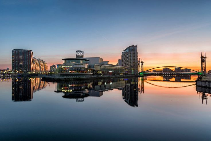 Discount UK Holidays 2017 Manchester Break with Breakfast for 2 - Dinner Options! From £59 (at Britannia Hotel Manchester) for an overnight Manchester break for two with breakfast, or from £75 to include dinner and a bottle of house wine