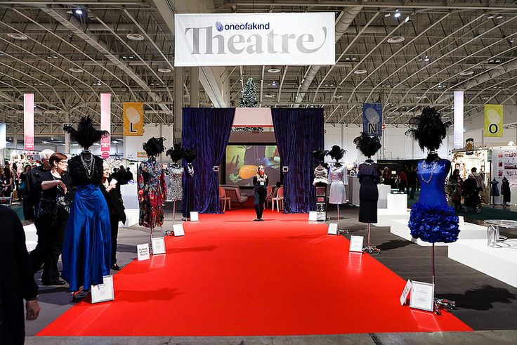 One of a Kind Theatre - Visit the Spring Craft Show with Maple Leaf Tours