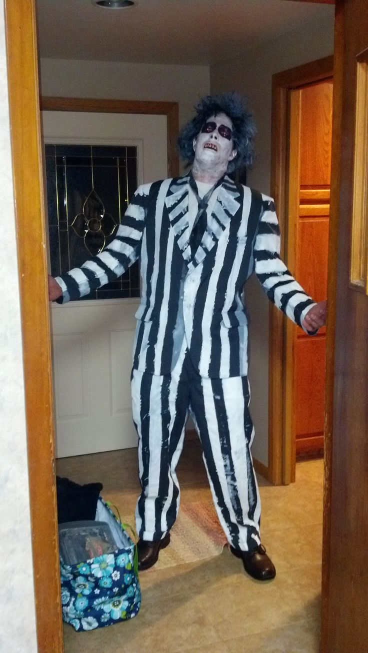 Diy Beetlejuice Halloween Costume This Is Josh From